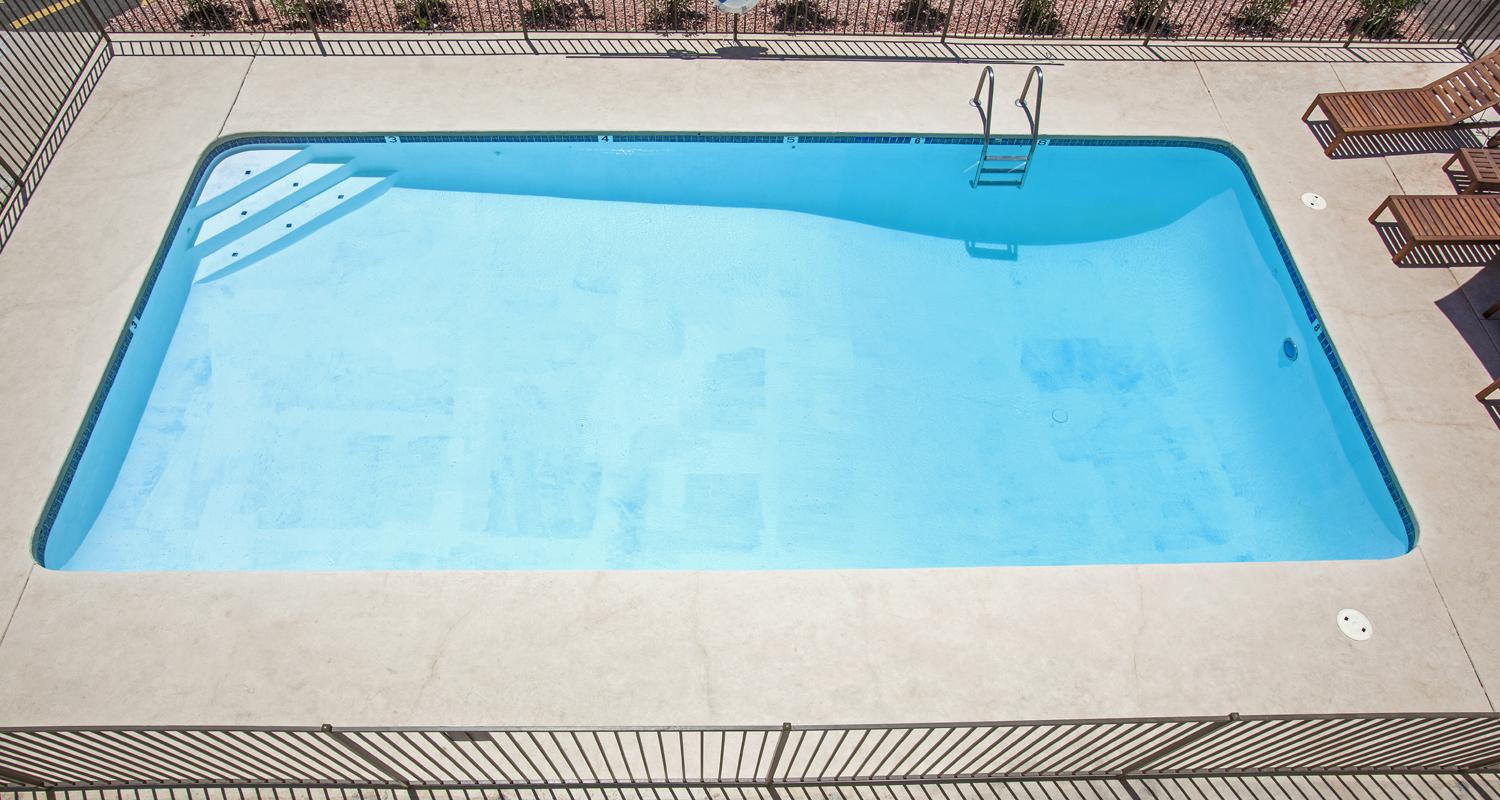 Swimming pool repair services sydney nsw hills district north shore sutherland shire for Swimming pool resurfacing sydney